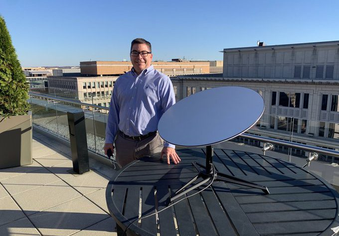 SpaceX Stardish antenna on FCC roof (Source: Twitter)